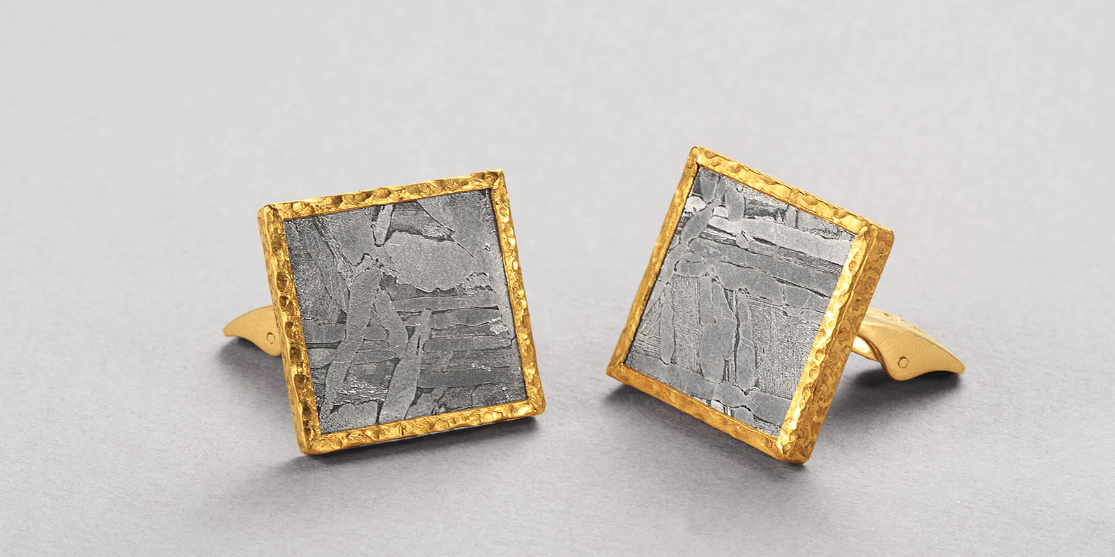 JIM cufflinks. Meteorite and 22 karat gold.