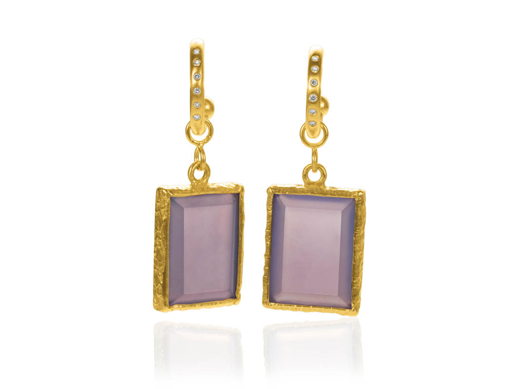 22 karat gold. Hoops with diamonds. Chalcedony drops.