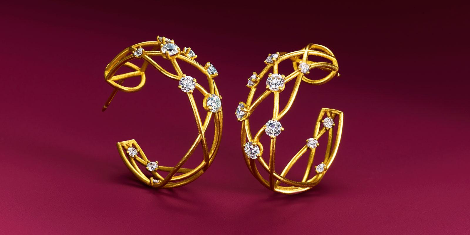 22 karat gold and colorless diamonds