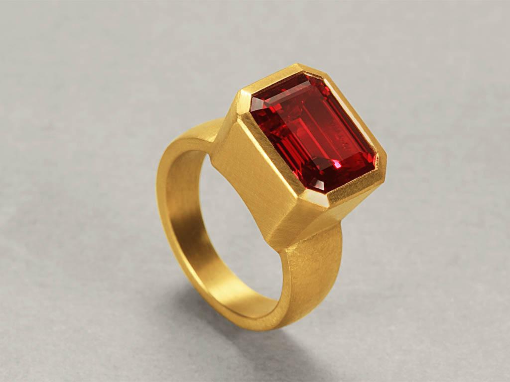 22 karat gold, Ruby