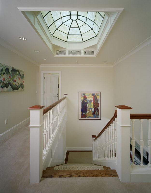 LAUR-02-upstairs-hall