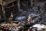 A burned car hit by a rocket sent from Gaza In Ramat Gan, Israel, Saturday, May 15, 2021 photographer: Kobi Wolf