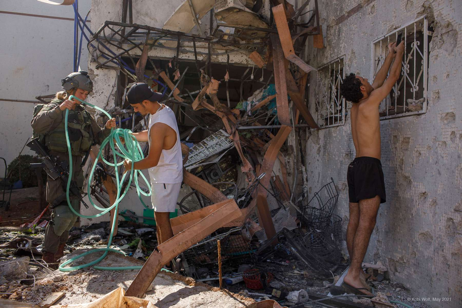 A building hit a direct hit by a rocket fired from Gaza in  Ashdod,  Israel  , May 17 2021 photographer: Kobi Wolf