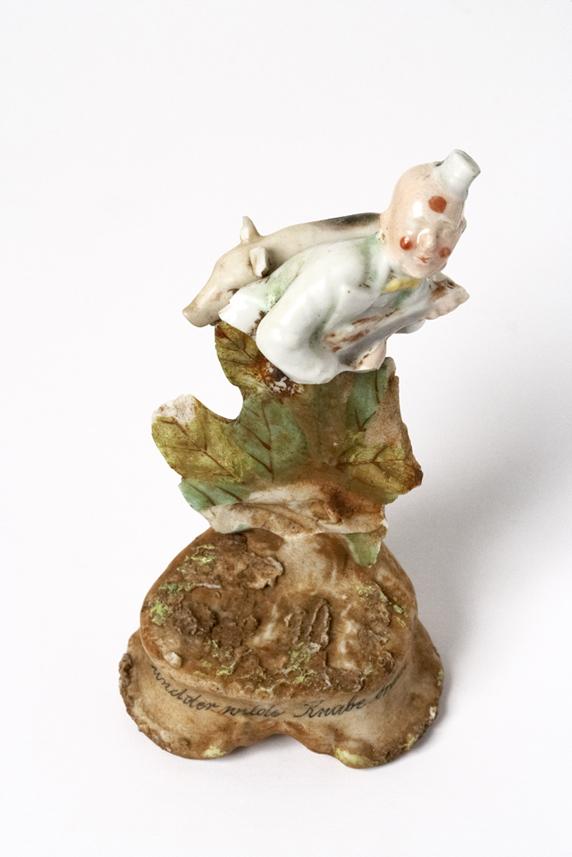 Satch Hoyt (b.1957)Clown & PigMixed-media, ceramic and porcelain12 x 7 x 6,5 cm