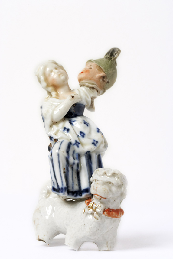 Satch Hoyt (b.1957)Girl with Soldier's headMixed-media, ceramic and porcelain11 x 7 x 5,5 cm