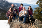 Tahoe-winter-family-photo-with-dogs