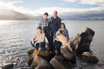 Tahope-in-winter-family-photos-rocks