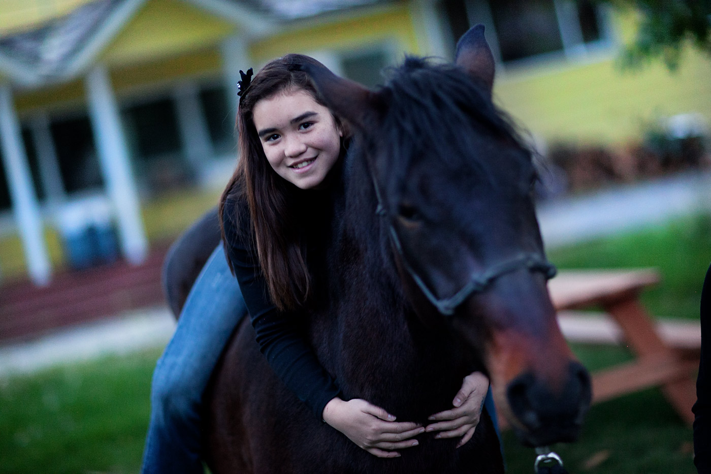 image_-girl-on-horse-family-picture-Reno