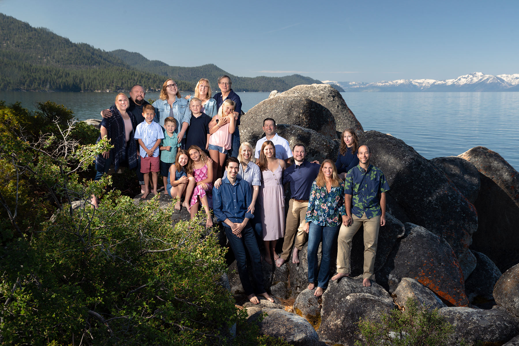 large-family-picture-Lake-Tahoe