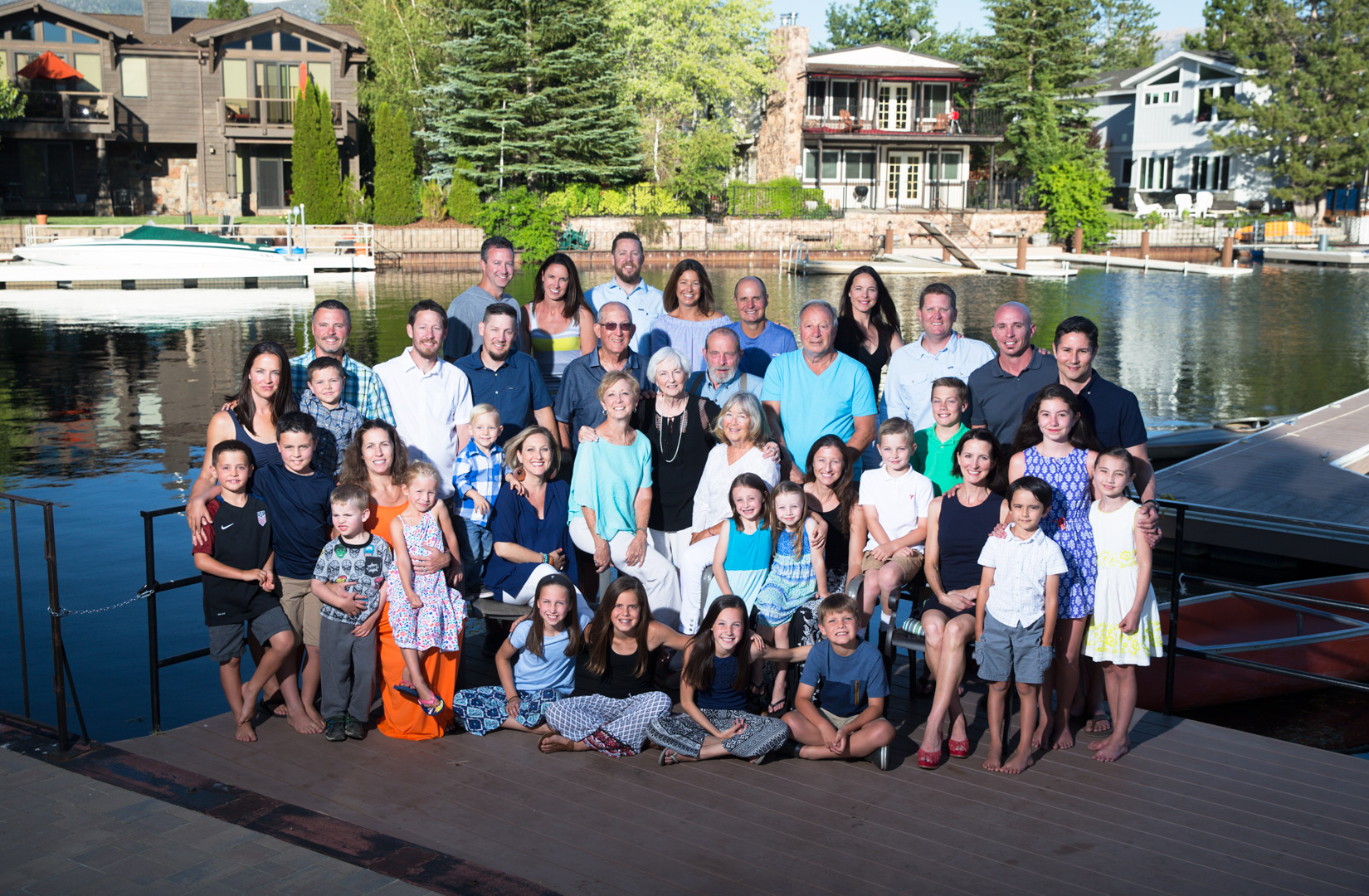 large-group-shot-family-Tahoe