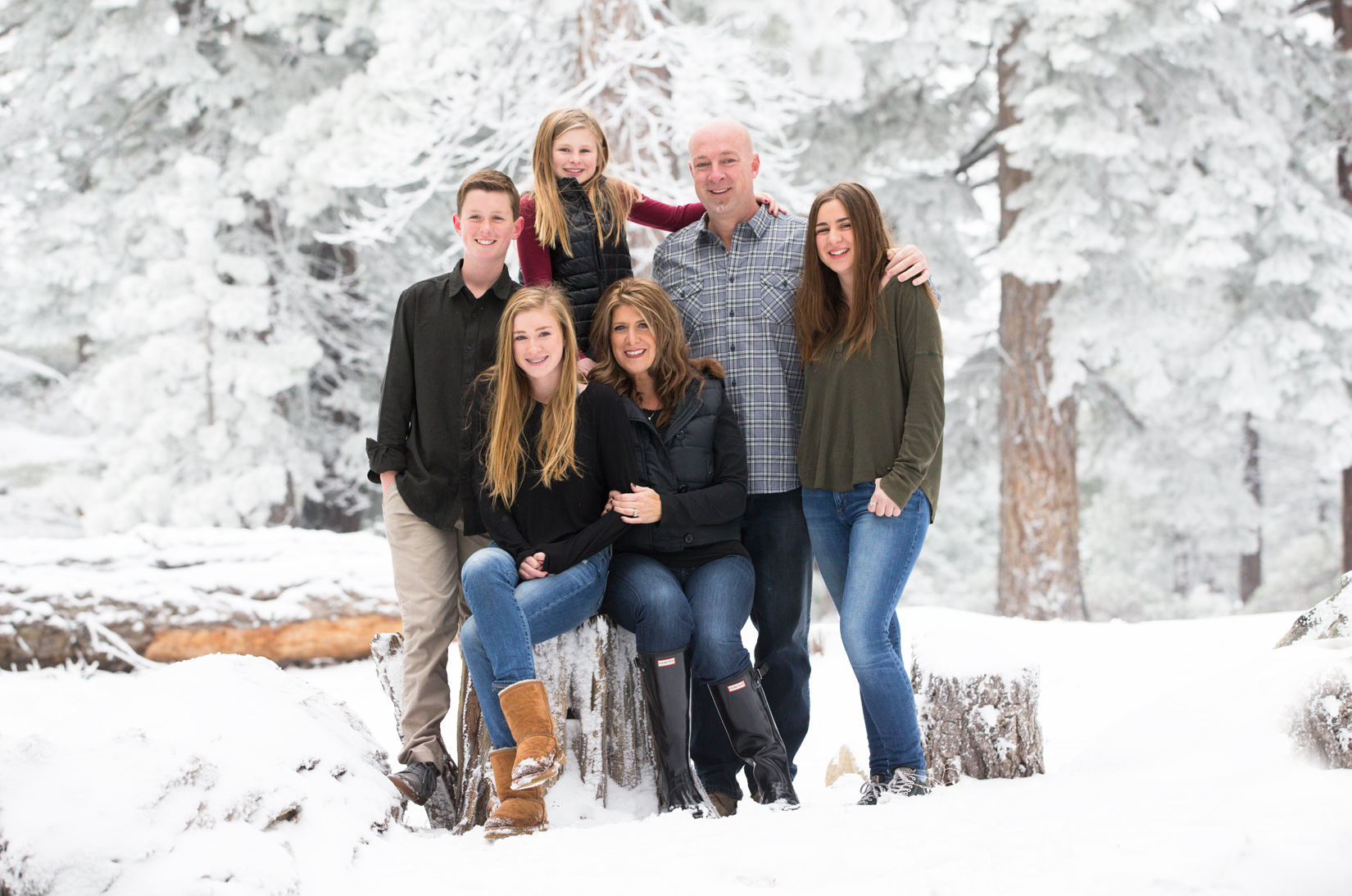 snow-heaven-Tahoe-family