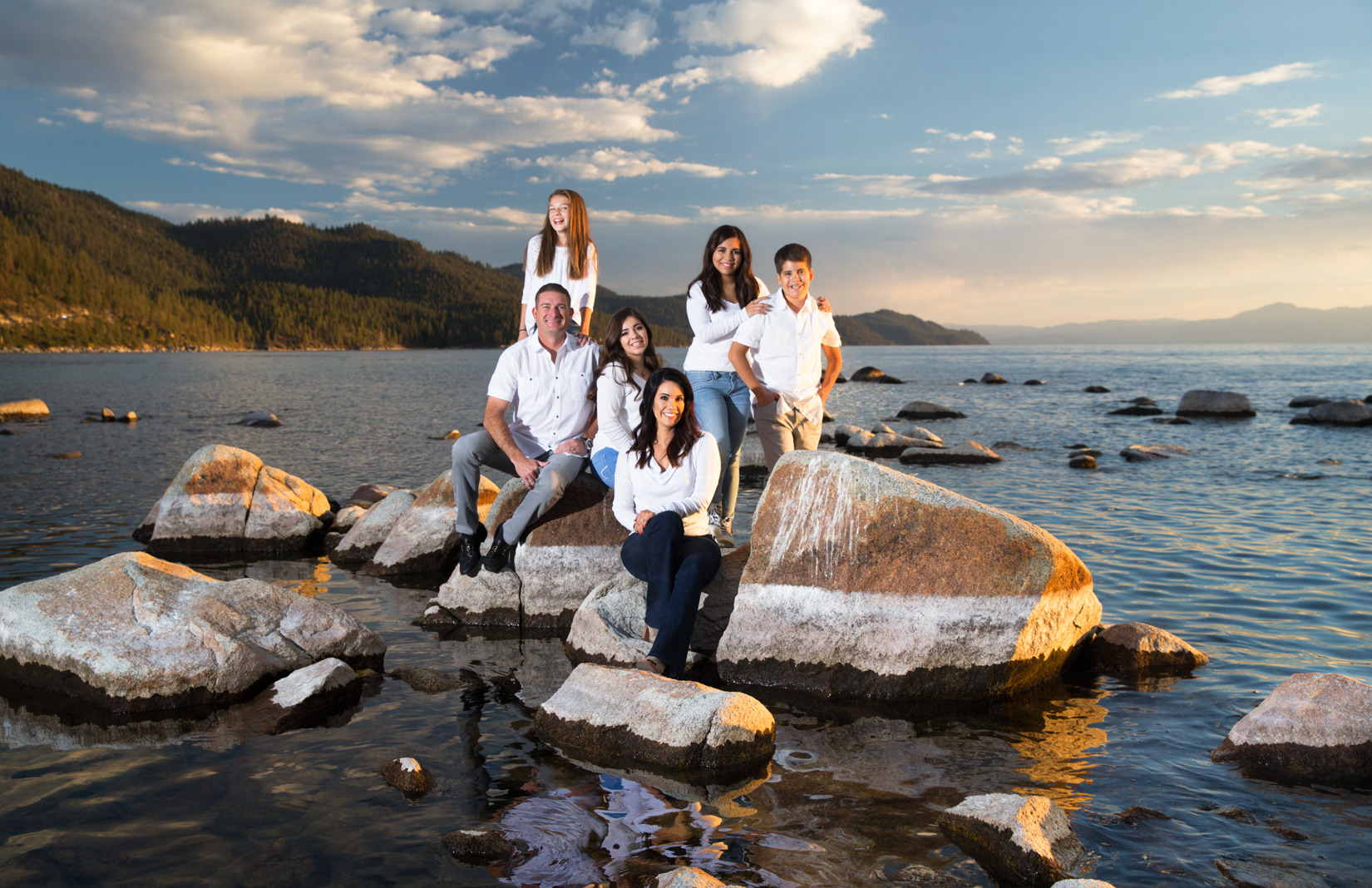 sunset-Tahoe-family-session
