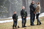 winter-fun-Tahoe-snow-picture-family