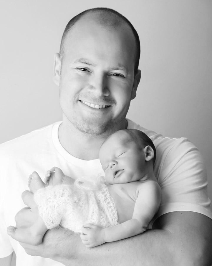 daddy-and-newborn185768