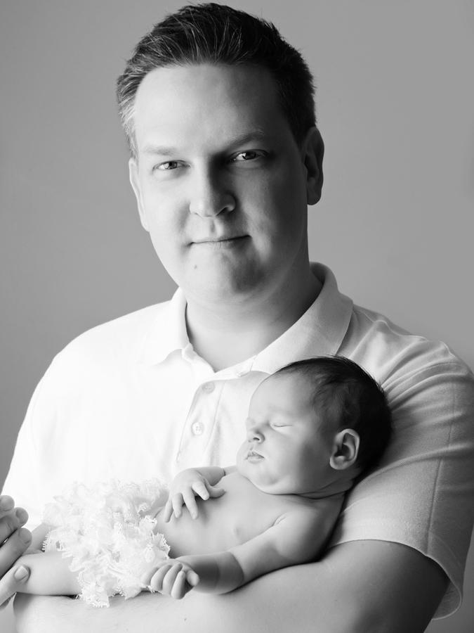 daddy-and-newborn185779