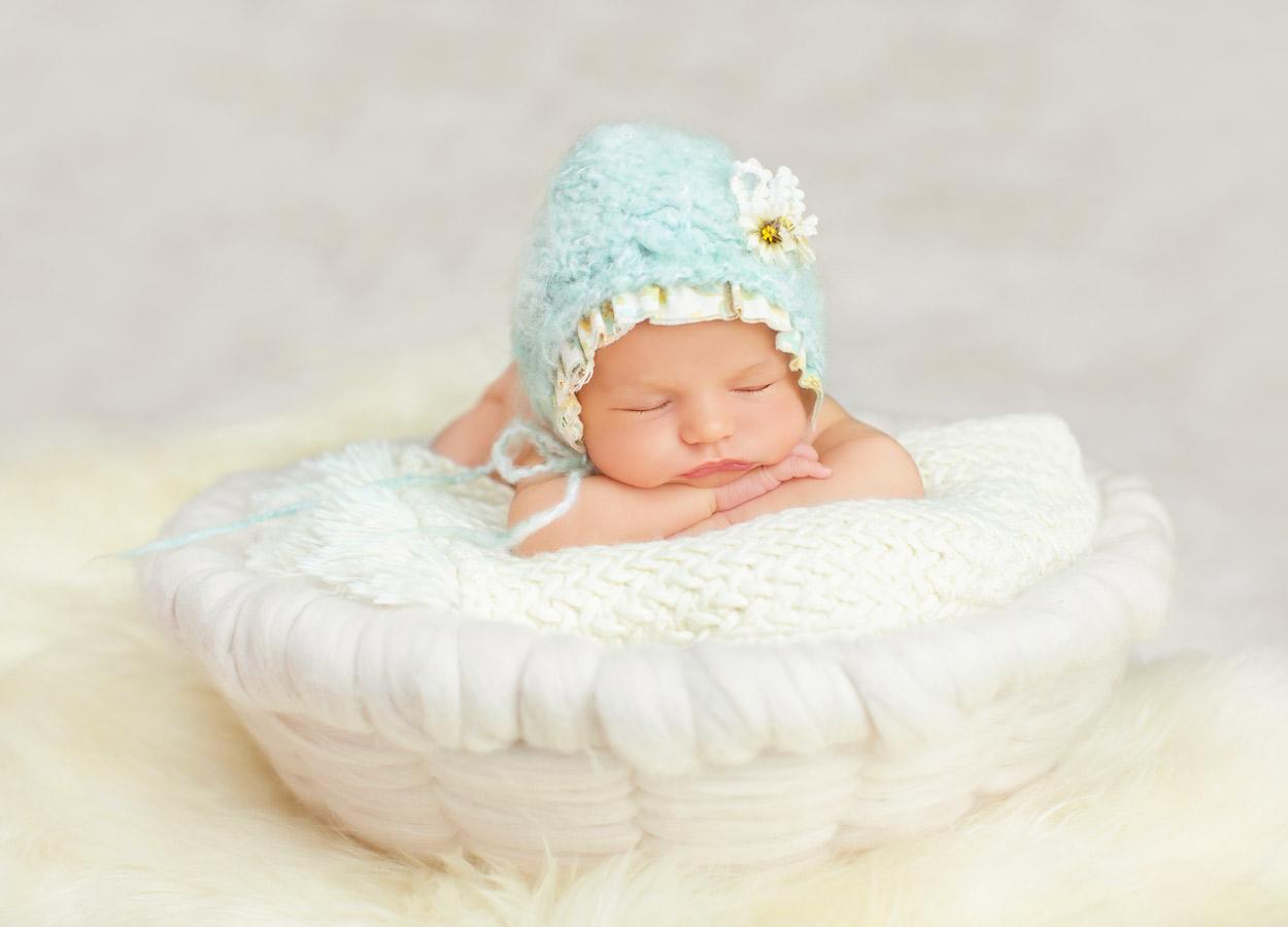 newborn-baby-girl185575