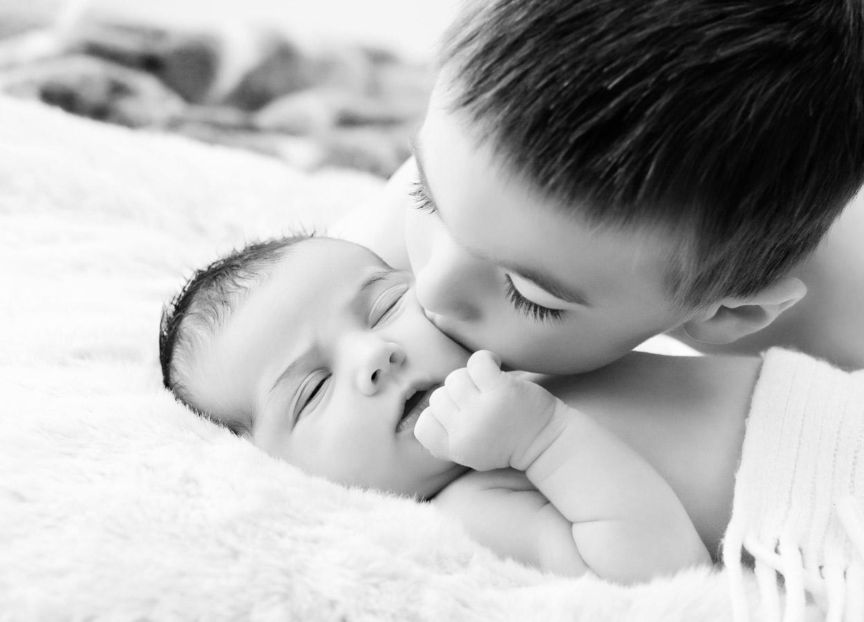 siblings-and-newborns185861