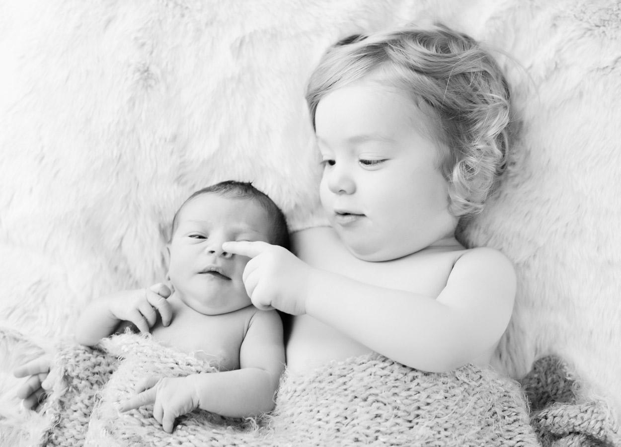 siblings-and-newborns185868