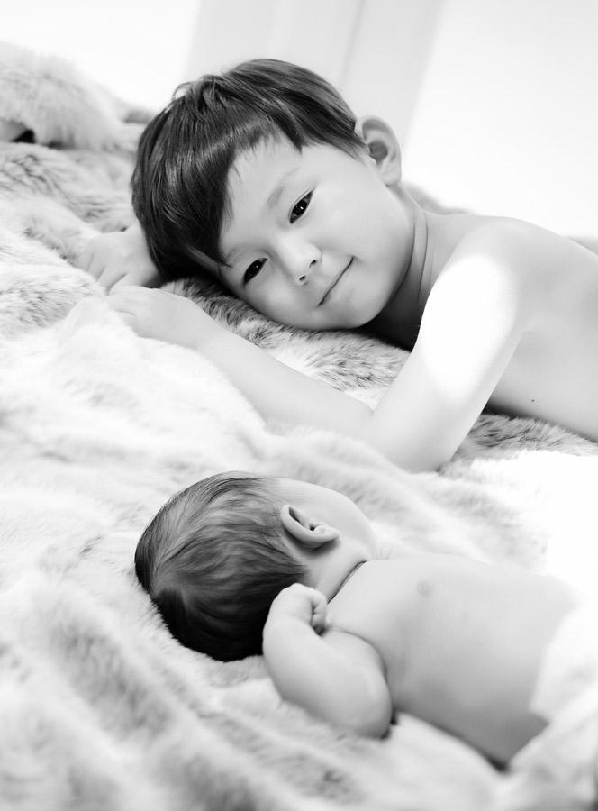 siblings-and-newborns185870