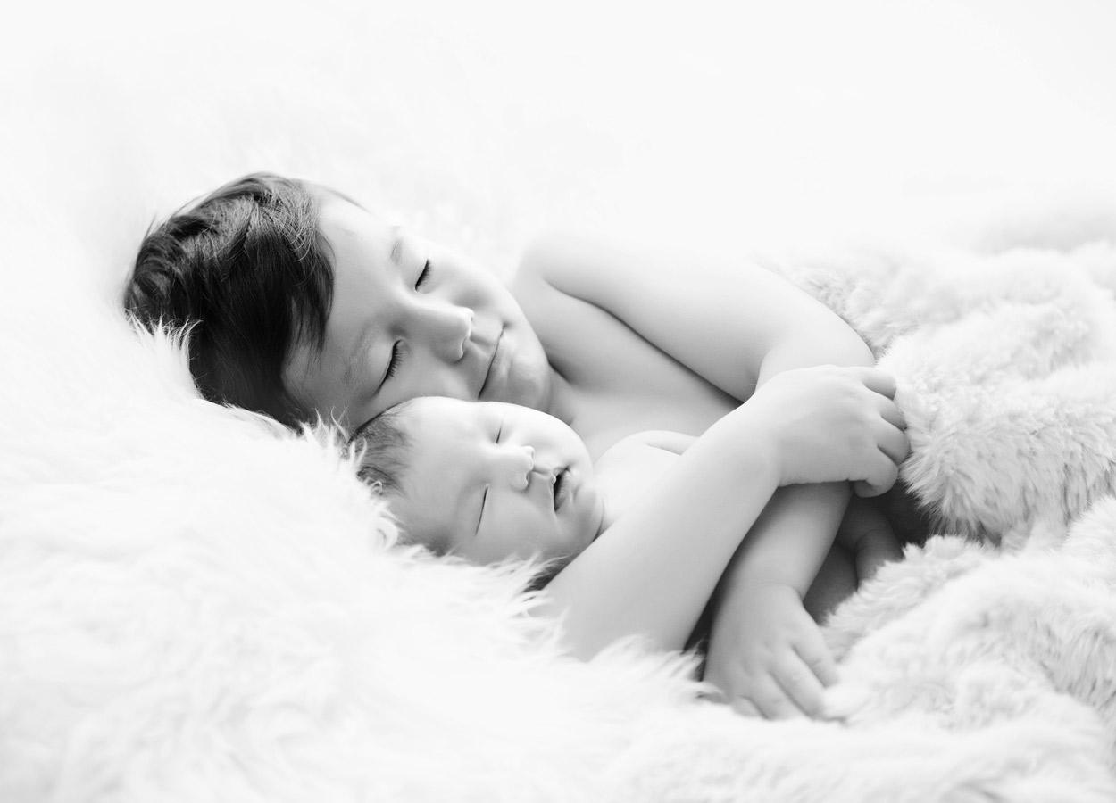 siblings-and-newborns185874