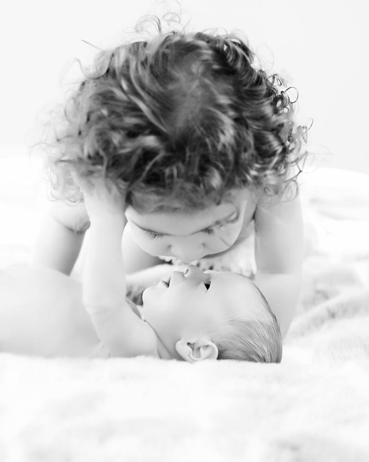 siblings-and-newborns185875