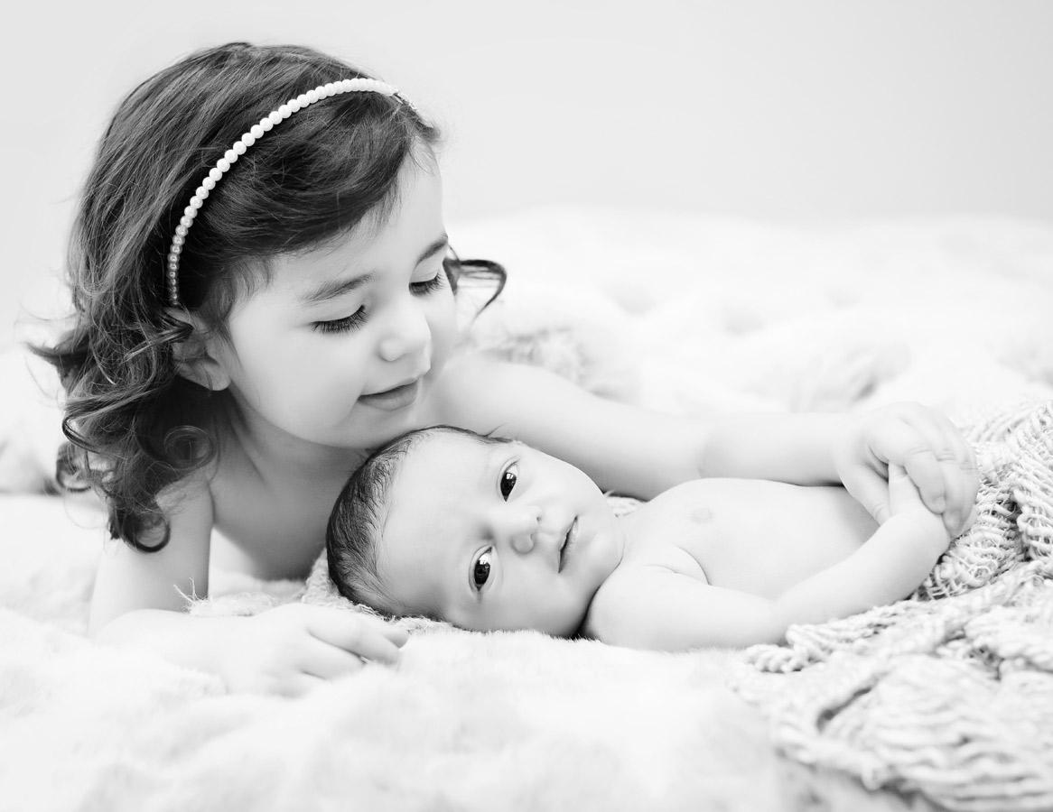 siblings-and-newborns185883