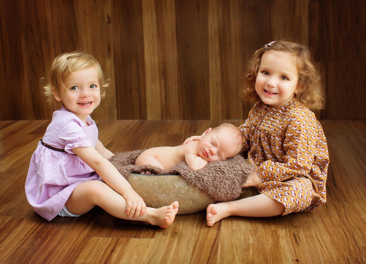 siblings-and-newborns185888