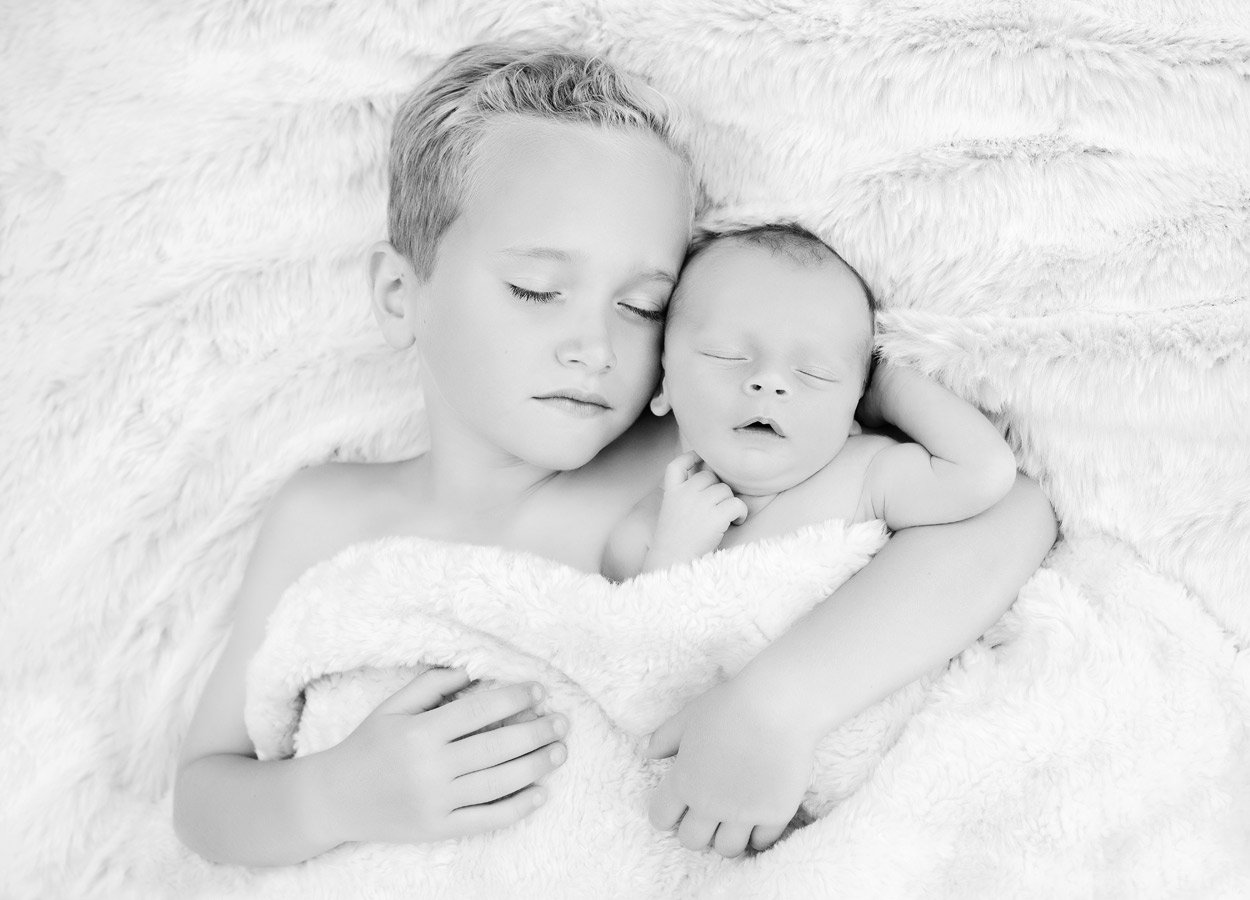 siblings-and-newborns185897