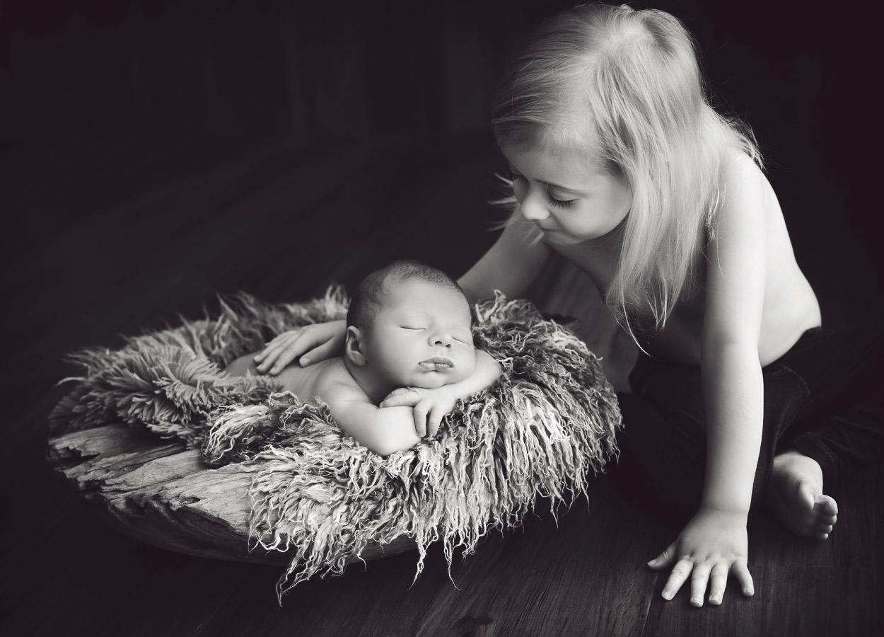 siblings-and-newborns185898