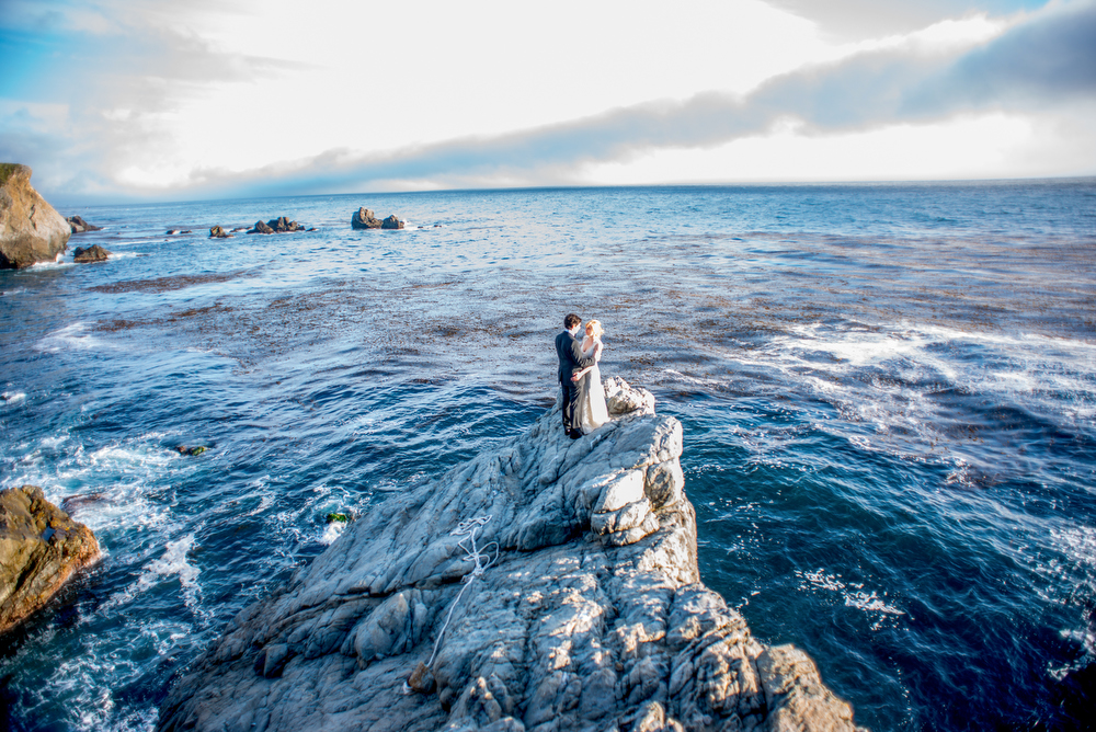 Emily_and_Danny_s_Wedding_Story_Big_Sur_California_by_Mott_Visuals_Weddings_071