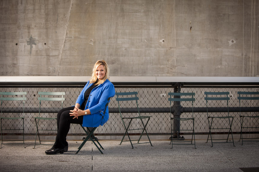 Author Karen Kingsbury on the high line in Manhattan. Guideposts Magazine.