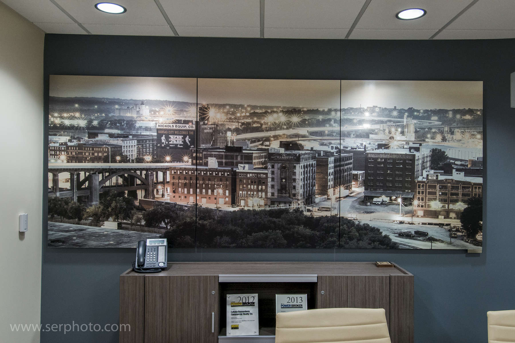 Installation from Lee & Associates moved to NAI LaSalle-Sonnenberg Heartland.  Multi-panel print of the West Bottoms in Kansas city on aluminum.