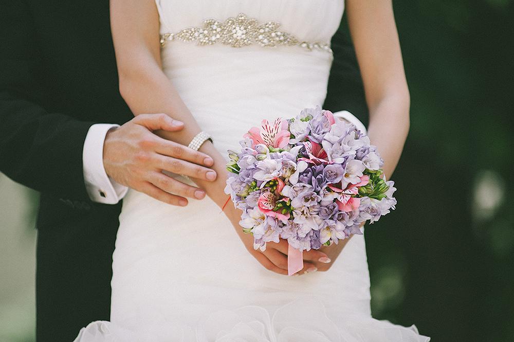 daw-fotograf-nunta-love-themed-wedding-bride-groom-bouquet-original-adrian-hancu_89