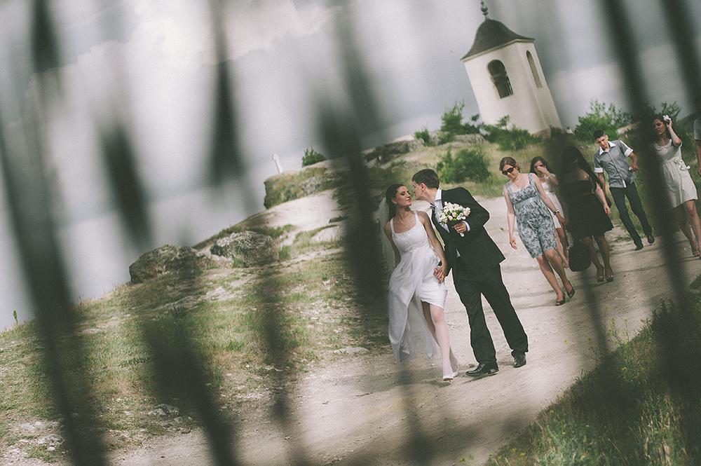 daw-mariee-et-le-marie-avec-les-demoiselles-d-honneur-photographe-de-mariage-adrian-hancu_29