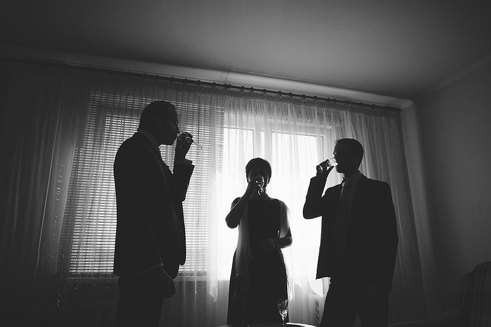 is-photographe-de-Mariage-sverige-brollopsfotograf-f__rbereda-brudgummen-agwpja-adrian-hancu_08