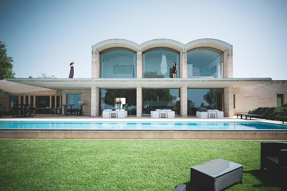 luxury-villa-mallorca-wedding-wedding-dress-wedding-photographer-mallorca-adrian-hancu