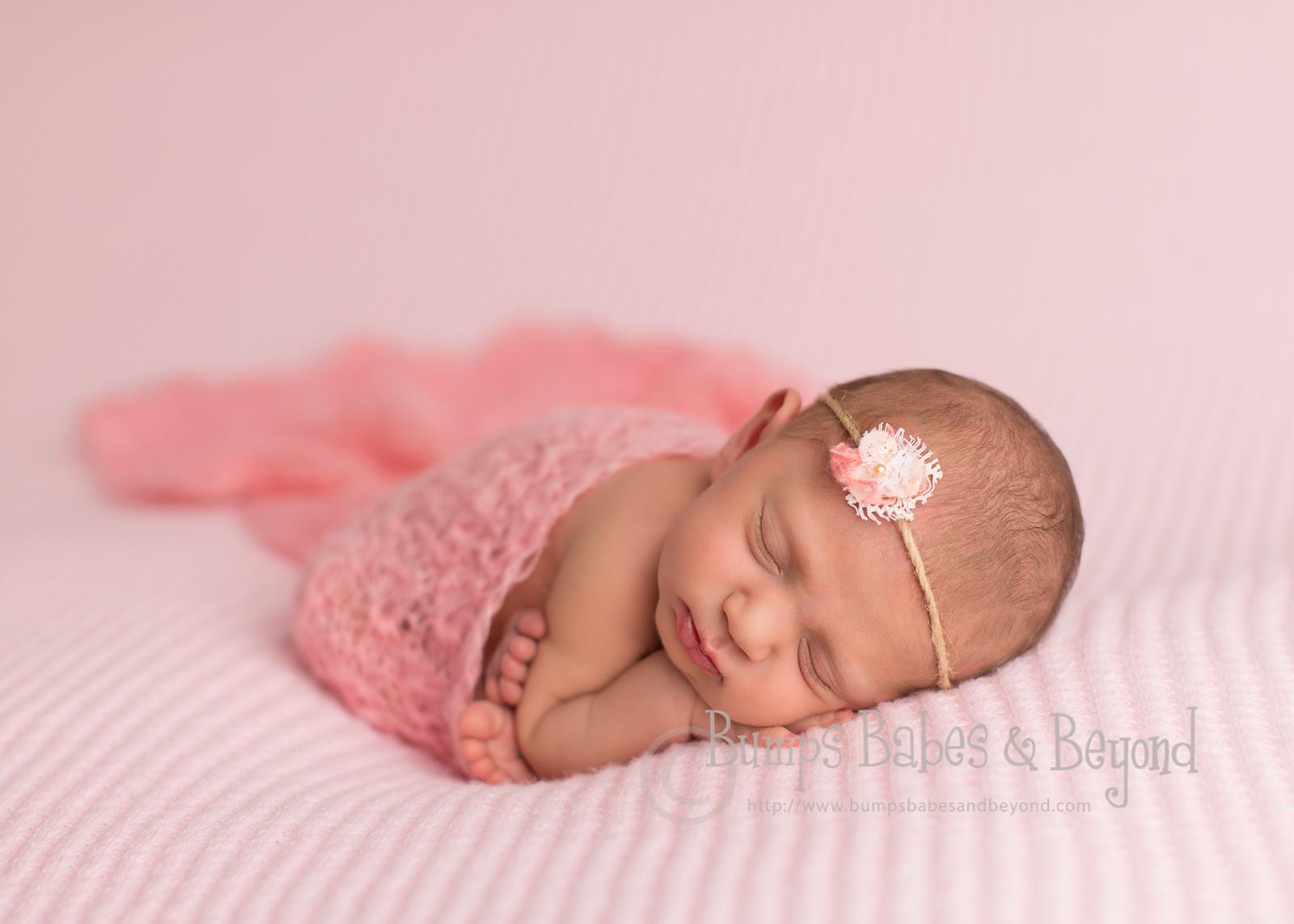 Newborn denkmal