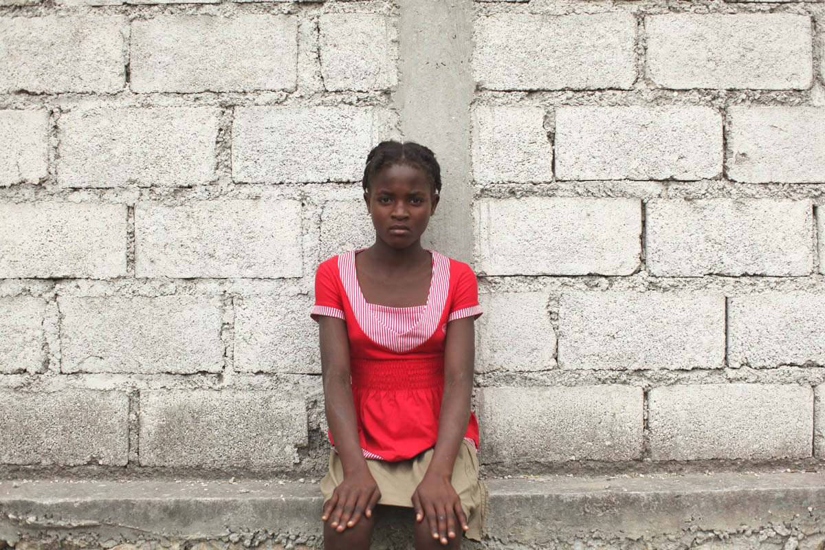 01-25-10  Port Au Prince, Haiti - Deskl: FOR - Slug: - ORPHANS  -  Marie Gislaine Predelis, 12. - Ozier Muhammad/The New York Times