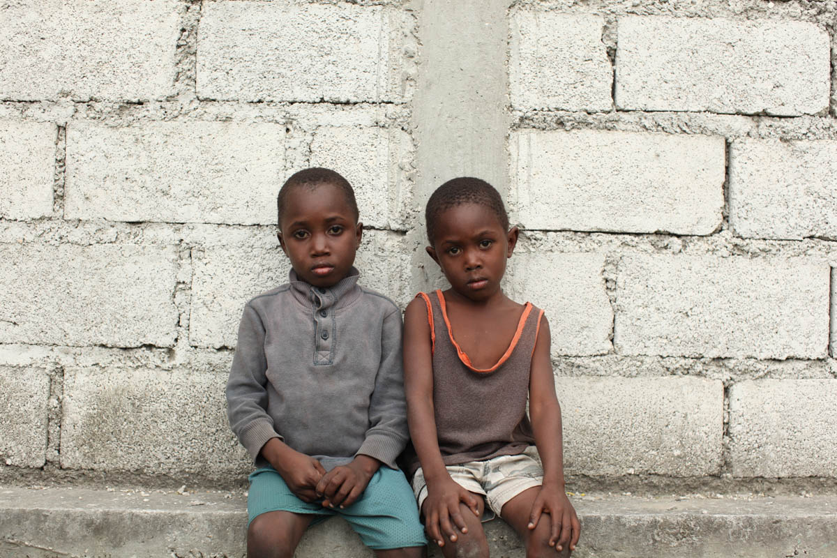 01-25-10  Port Au Prince, Haiti - Deskl: FOR - Slug: - ORPHANS  -  The Edmonds brothers: Enso, 8 and Edno, 6. - Ozier Muhammad/The New York Times