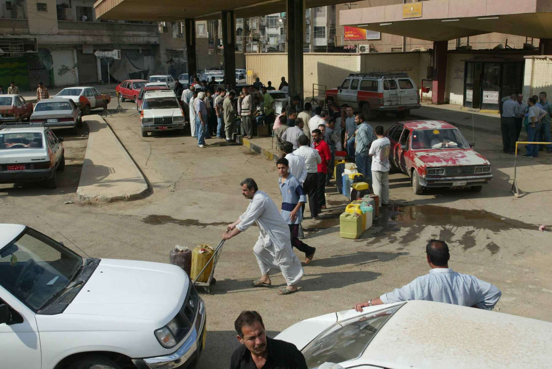 Gas line in Baghdad.