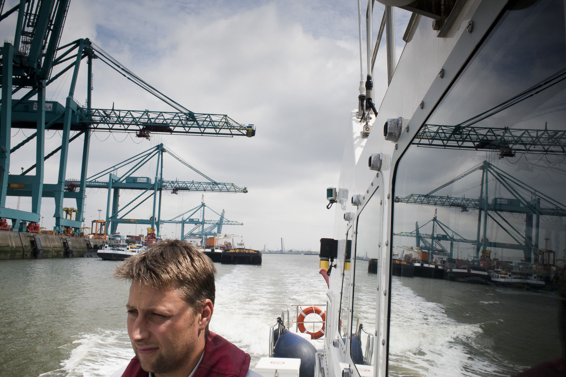 Aboard the sea police patrol boat in the Deurganckdok, a dock on the left bank of the Scheldt in July 2010