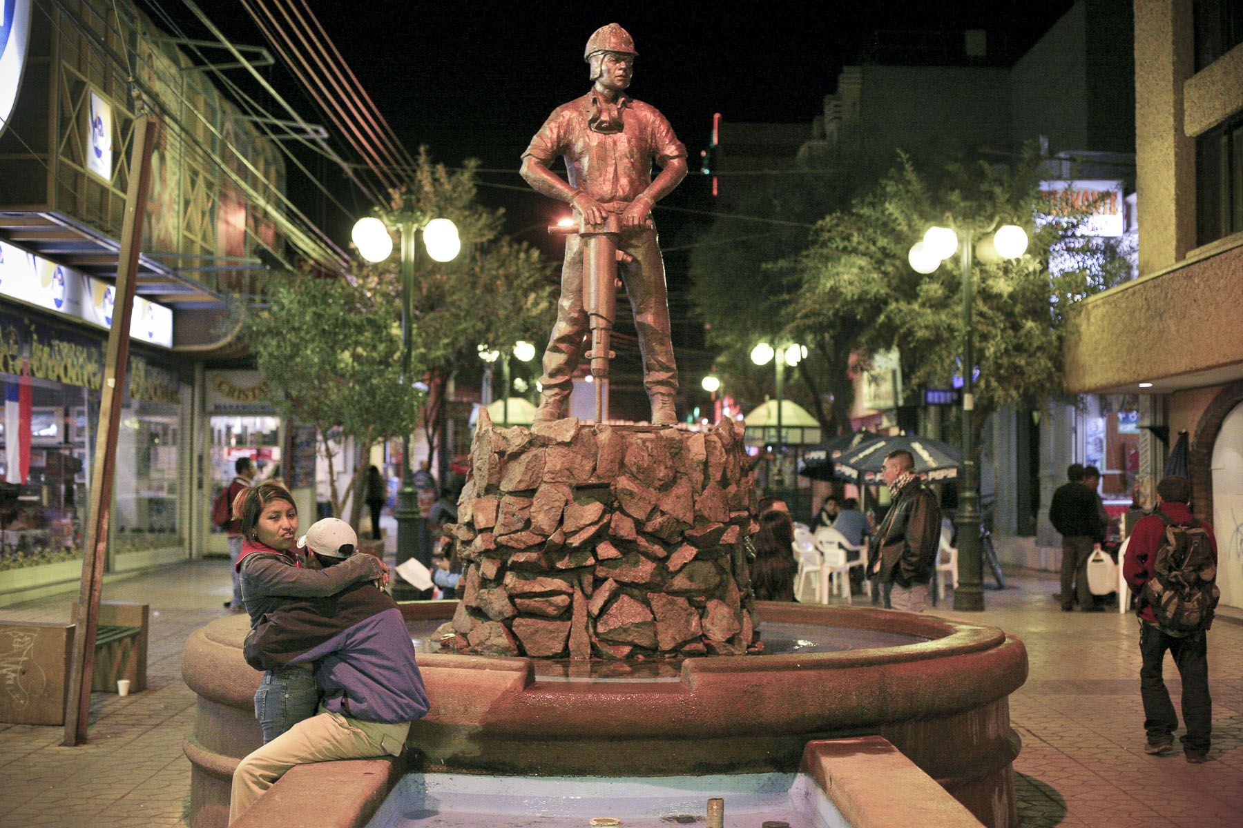 The statue of a miner in Calama main street in September 2007