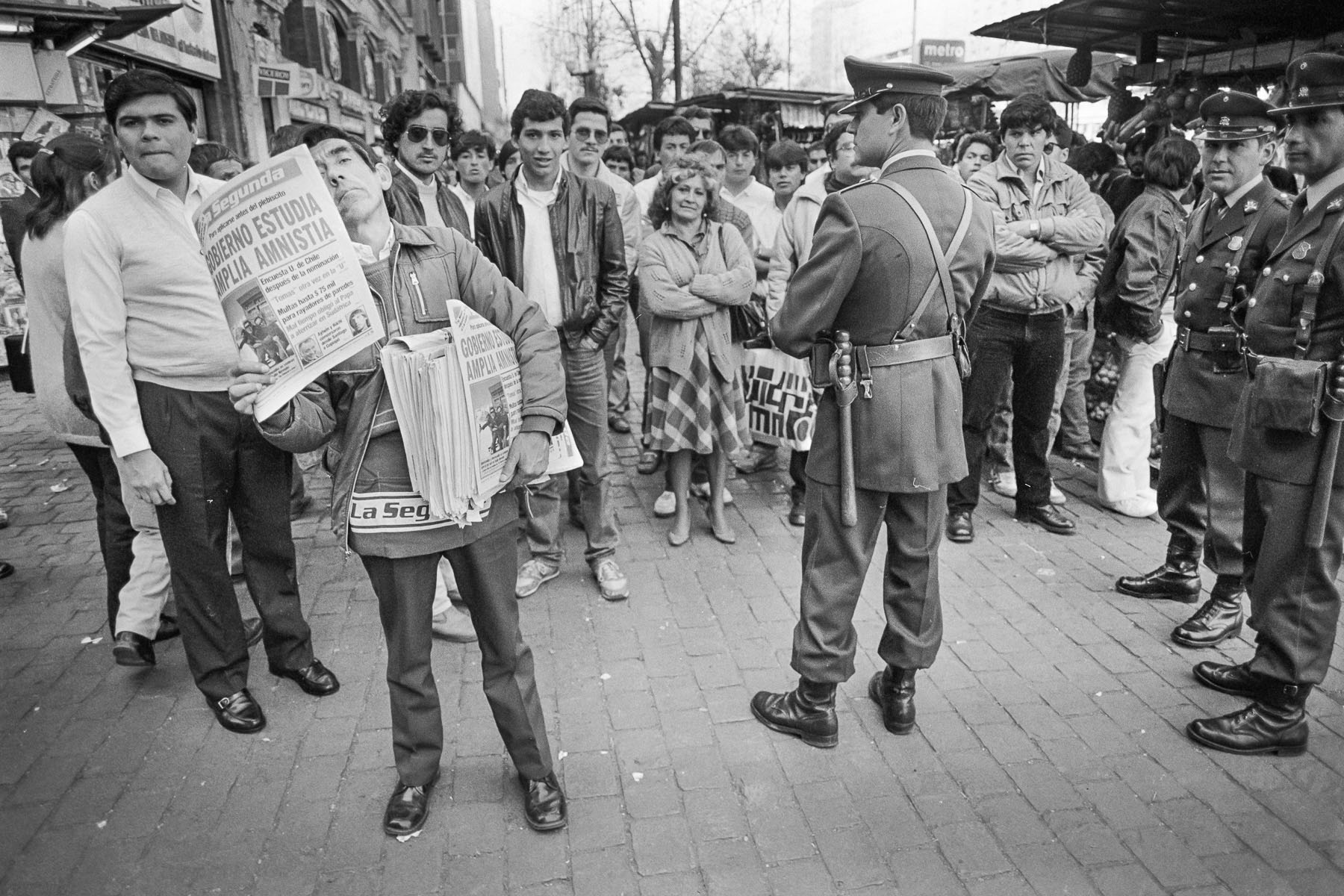Newspapers vendor in October 1988