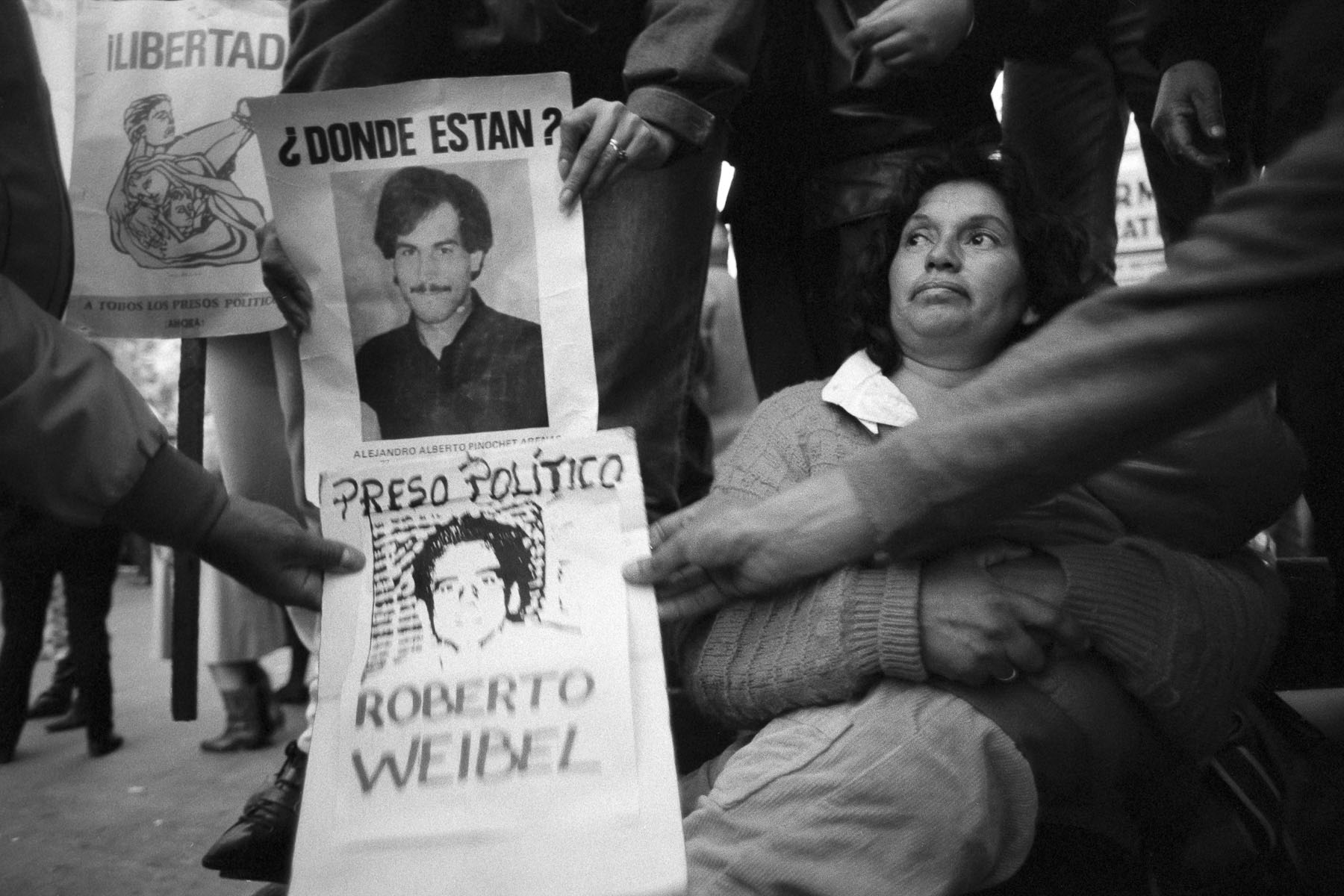 Mothers demonstration regarding missing persons who disappeared during Augusto Pinochet dictatorship in September 1988