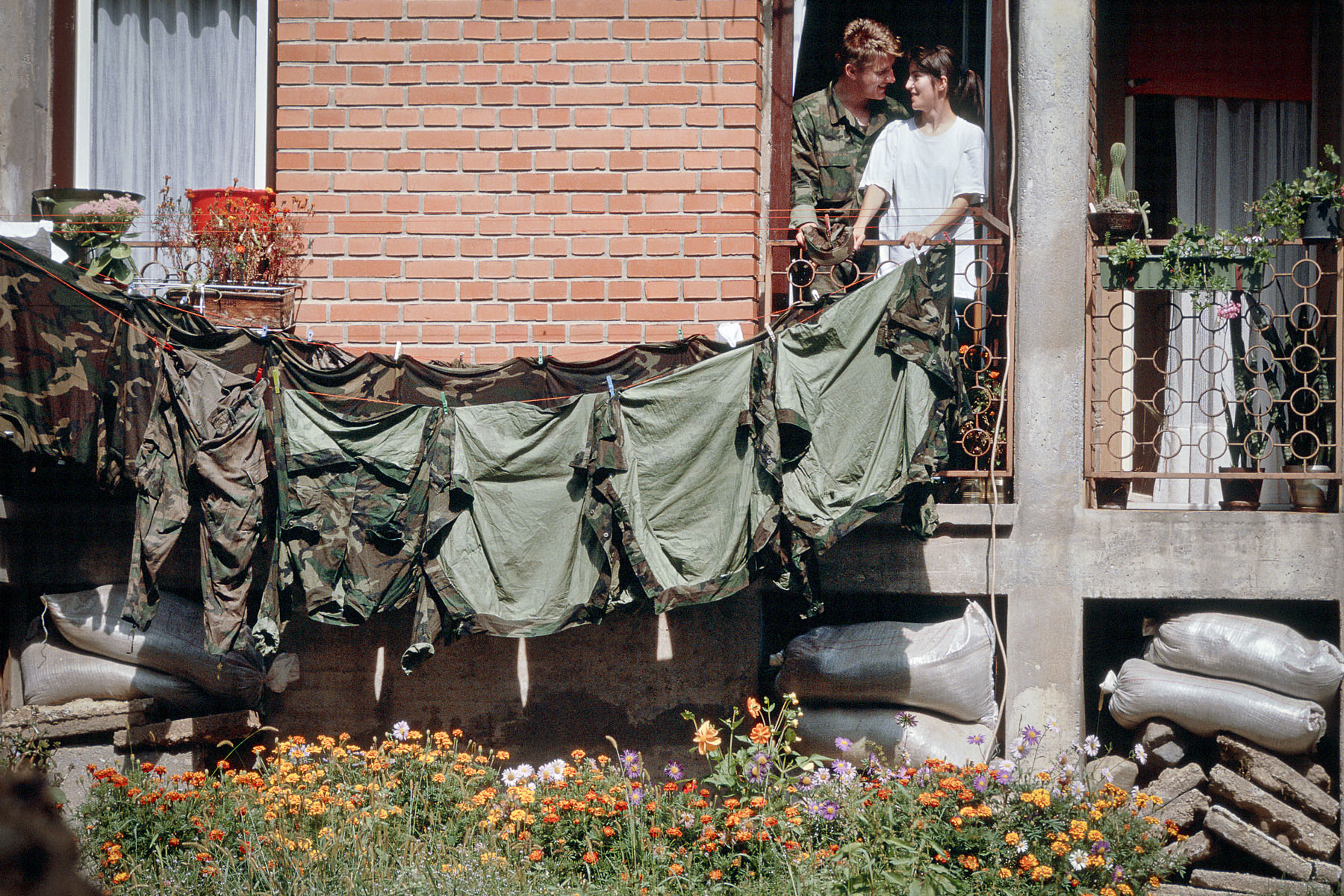 Couple inside a Yugoslav federal army barracks in September 1991
