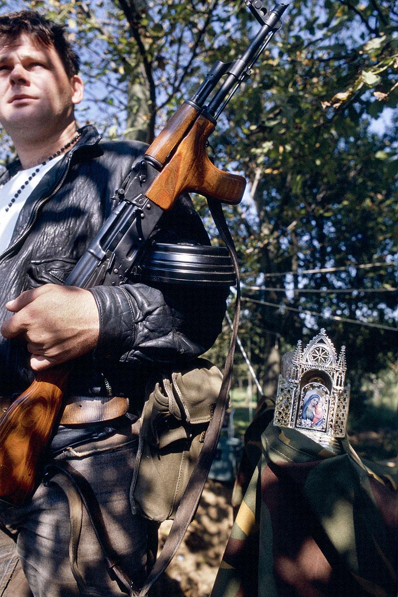 Croatian militiaman on a check point near Petrinja in September 1991