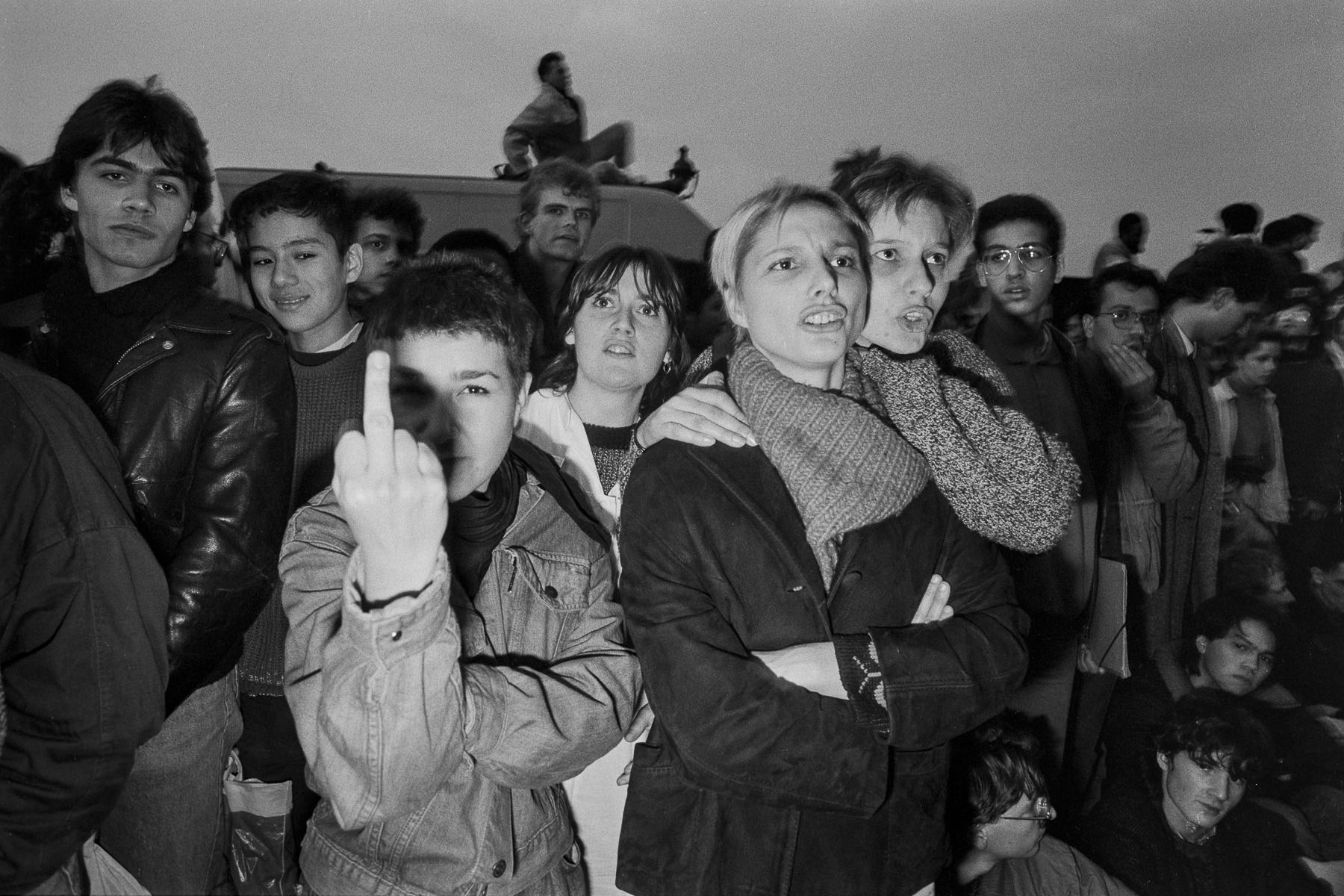 Students demonstration against Devaquet minister reform draft in front of the National Assembly on november 1986