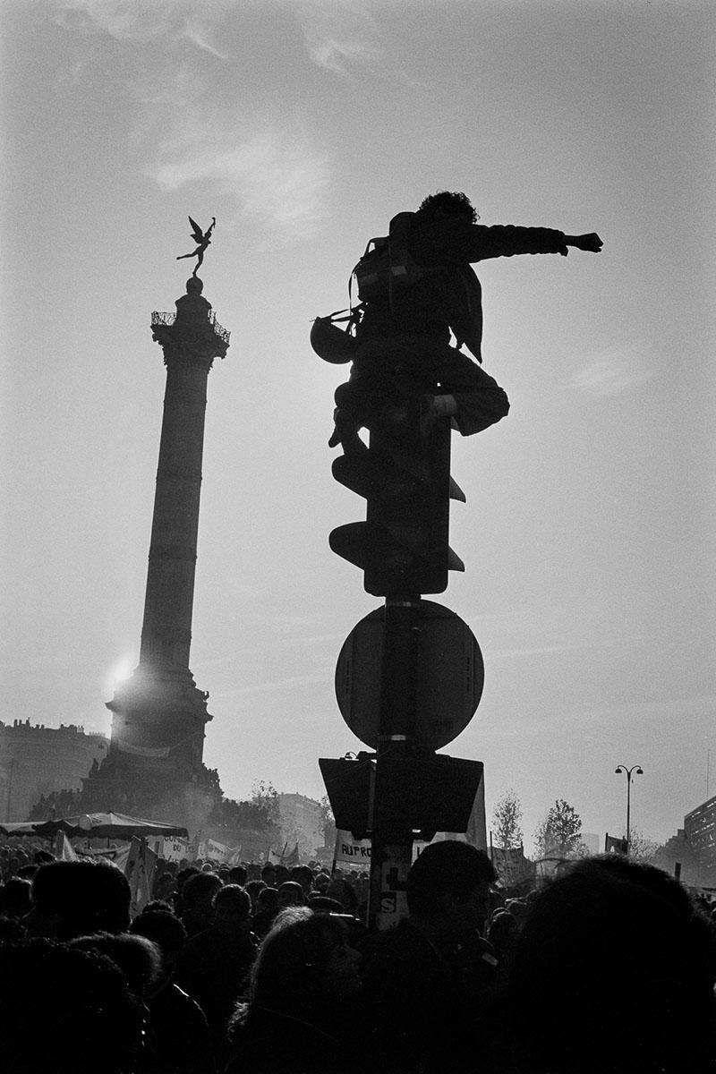 Students demonstration against Devaquet minister reform draft at Place de la Bastille on november 1986