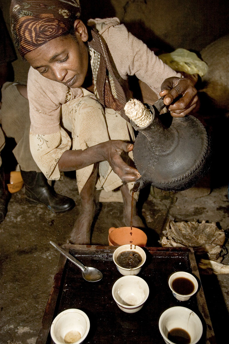 Mankra, the homeland of coffee. Coffee ceremony at Asrat Tesfaye's and his wife Gedamnesh Tamemu's, wild coffee producers in November 2004