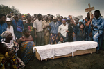 Funeral near the Rwandan Hutu refugee camp of  Kibumba in August 1994